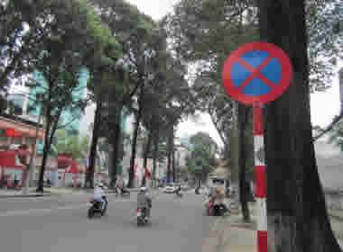Cách dừng xe, đỗ xe trên đường bộ